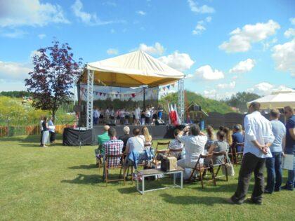 Słoneczna Szkoła Podstawowa - zakończenie roku w ogrodach szkonych